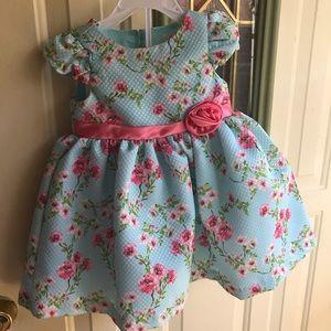 Dress size 6/9 new!!